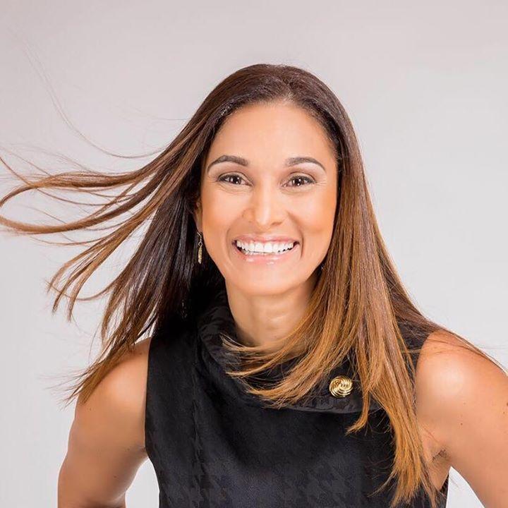 Delivering WOW- Dr. Anissa Holmes Bot for Facebook Messenger