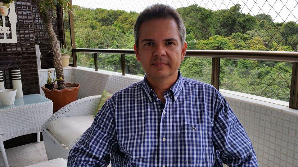 João Mendonça - Matemática Financeira para Negócios Bot for Facebook Messenger