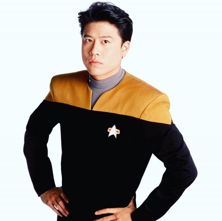 Star Trek: Voyager - Fandom Bot for Facebook Messenger