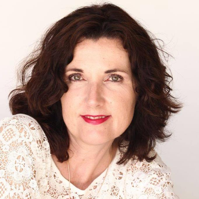 Ingrid Auer en Español - Símbolos, Esencias y Mensajes Espirituales Bot for Facebook Messenger
