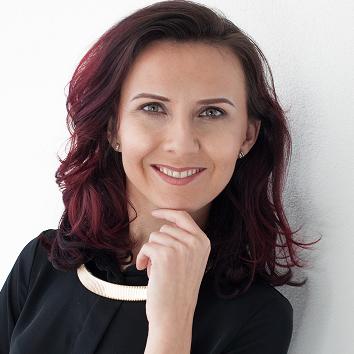 Emilia Lis -  fitness, biznes, komunikacja Bot for Facebook Messenger