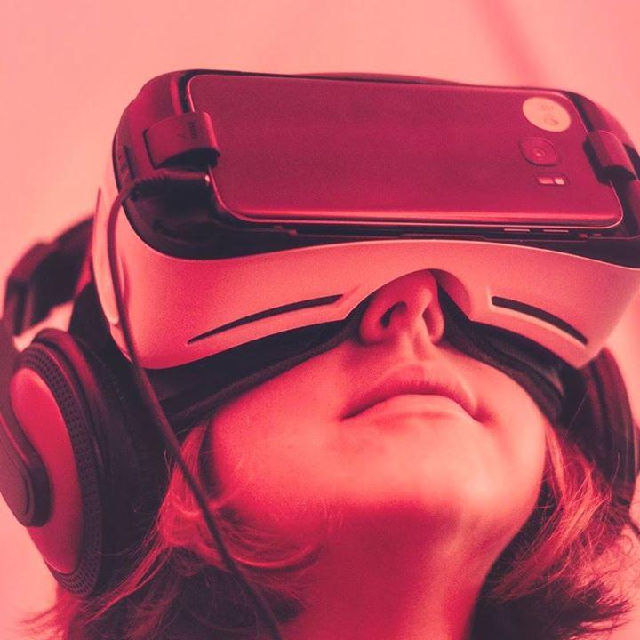 Experience VR/AR Bot for Facebook Messenger