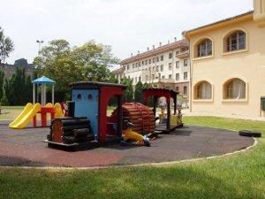 Por la supervivencia de la Escuela Infantil de la Universidad de Oviedo Bot for Facebook Messenger